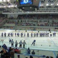 Большой хоккей пришёл во Владивосток :: Евгений Поварёнков