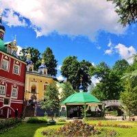 В Псково-Печерском монастыре :: Leonid Tabakov