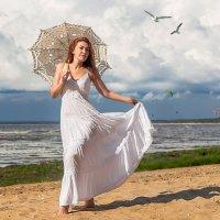 На пляжу с зонтиком я хожу. :: Виктор Седов