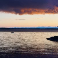 Вечерняя подсветка облака ... :: Александр Буланов
