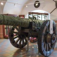 Музей Артиллерии Санкт-Петербург.Очень увлекательное дело смотреть эволюцию артиллерии, как люди все :: Горелов Дмитрий