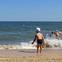 Как же зайти... Прозрачность вод Азовского моря низкая :: Татьяна Смоляниченко