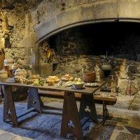 средневековый стол, вкусно выглядит ! :: Георгий