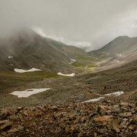 Спуск с перевала Шумак... :: Сергей Герасимов