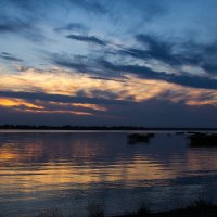Закат на озере :: Вадим Басов