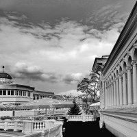 Колоннада -вход в  Курорта  парк :: Евгений БРИГ и невич