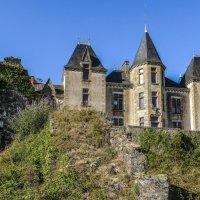 Неоготический замок Брессуир (Bressuire) :: Георгий
