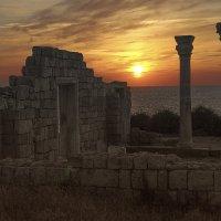 Закат в древнем Херсонесе :: BD Колесников