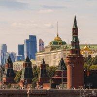 прошлое и настоящее Москвы в одном кадре :: Александр Солуянов