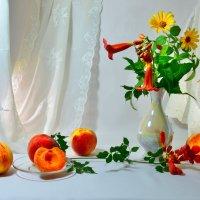 Персики и цветы :: Наталия Лыкова