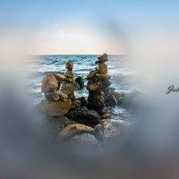 каменные статуи :: Uliya