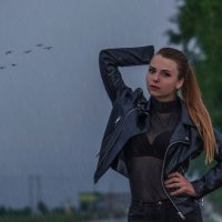 Портрет под дождём :: Анатолий Клепешнёв