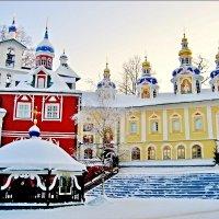Зимой в Псково-Печерском монастыре :: Leonid Tabakov