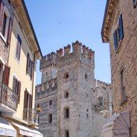 Улица исторического центра Сирмионе,Италия. :: Лира Цафф