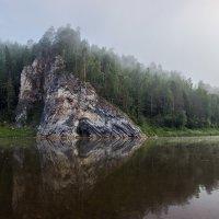 Камень «Печка» на Чусовой. Утренний туман :: Александр Кафтанов