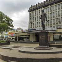 Памятник изобретателю радио Александру Попову. :: Сергей Цветков