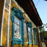 Домик с окнами в сад... :: Александр Беляков