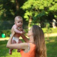 Мама и дитя :: Андрей