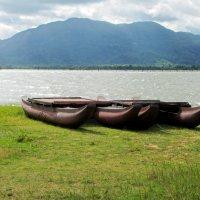 2 лодки в ожидании путешественников :: ИРЭН@ .