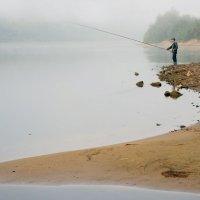С рассветом и рыбка клюёт. :: Тамара Бучарская
