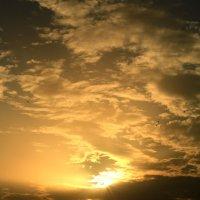 Первый осенний закат :: valeriy khlopunov