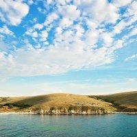 Джангульская бухта... Вид на развалины древнегреческого городища... Jungul Bay... A view of the ruin :: Сергей Леонтьев