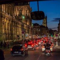 Ночной Париж * Фото из автобуса* :: Sergej