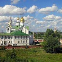 Голутвинский кремль из окна :: Алла Захарова
