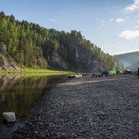 Лагерь на берегу :: Александр Кафтанов