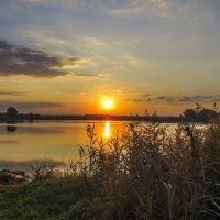Рассвет на Якушевском озере :: Сергей Цветков