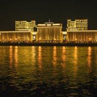 Вдоль берега Москва реки :: Александр Попович