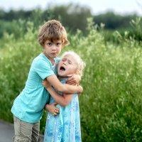 Любовь к сестричкам такая..) :: Марина