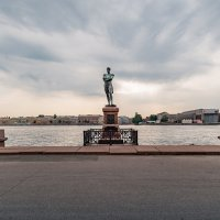 Памятник И.Ф. Крузенштерну. :: Сергей Исаенко