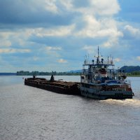на реке Кама :: Александр