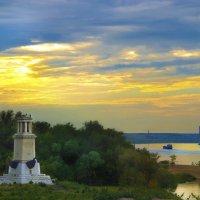 Вид на маяк и центр Волгограда :: Аркадий Баринов