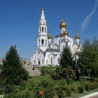 Свято-Троицкий храм (новый) :: Нина Бутко