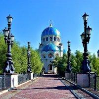 Храм Живоначальной Троицы в Орехово-Борисово в память тысячелетия Крещения Руси :: Oleg S