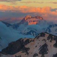 Абхазские горы на закате :: Фёдор. Лашков