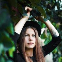 девушка в шляпе :: Ирина Штрейс