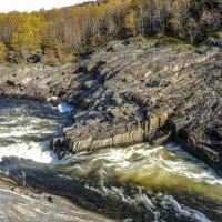 река Титовка бросается вниз :: Георгий А