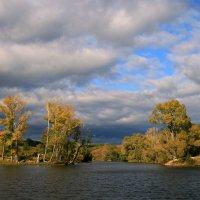 Уходит осень... медленно, красиво... оставив напоследок - тихий вздох... :: Евгений Юрков