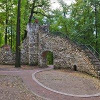 Башня-руина в усадьбе Царицыно :: Константин Анисимов