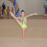 Соревнования по худ.гимнастике :: Наталья Верхотурова