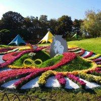 Джон Леннон в цветочном благоухании :: Тамара Бедай