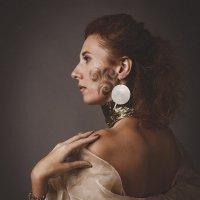 Портрет в теплых тонах :: Mikhail Dmitriev