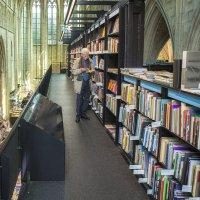 Книжный магазин Selexyz Dominicanen. Маастрихт :: Константин Подольский