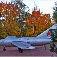 "Аэродром ""Осень"" :: Vladimir Semenchukov"