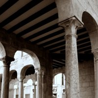Римские дворики в Ориуэлы :: Елена Олейникова