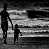 «Топ-топ топает малыш…»© :: Глeб ПЛATOВ
