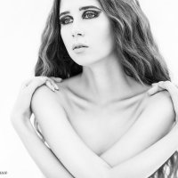 Чёрно-белое одиночество... :: Юлия Тягушова